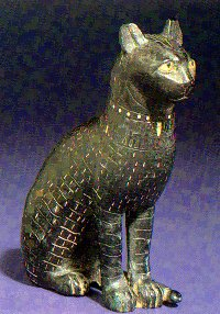 Bronze statuette of a cat